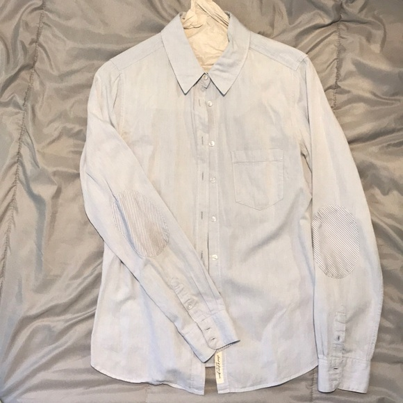 H&M Tops - H&M blue cotton button down with elbow patches